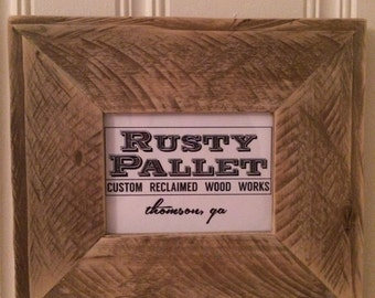 Reclaimed pallet wood picture frames