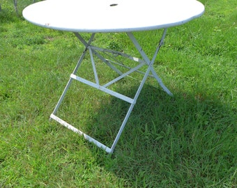 """SALE! Org 295.00 Vintage French Country Outdoor Table White 36""""Dia"""