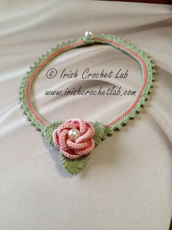 Crochet necklace. Crochet pattern.