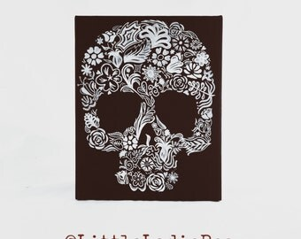 Flower Skull - 10 shades of white