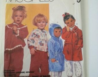 Toddler pajamas / girls / boys / robe/ 80s/pajama pants / childrens sleepwear /1980 vintage sewing pattern, Size 3, Chest 22, McCalls M 2773