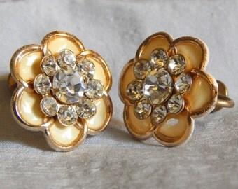 Beautiful Vintage Screwback Earrings - Cream Enamel Flowers with Rhinestones