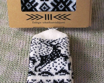 knitted mittens with lining Christmas gift Christmas deer white with a black woolen knitted mittens