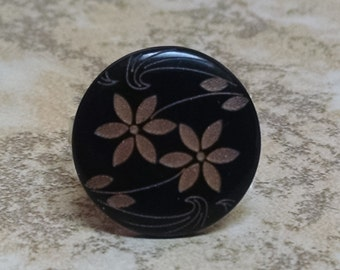 Black and Gold Flower Button Ring