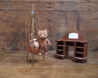 Furniture miniature and miniature cauldron / Dollhouse / rustic / Vintage