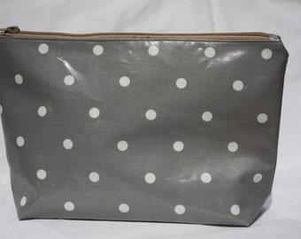 polka dot wash bag  toiletry bag make up bag, grey oilcloth wash bag with white nylon lining and a full width pocket