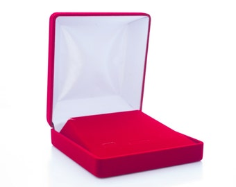 Red casket, perfect and exclusive box, package for jewelry, high quality and lasting