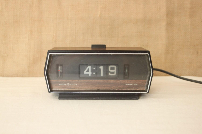 vintage flip clock space clock flip number by purplefinchvintage. Black Bedroom Furniture Sets. Home Design Ideas