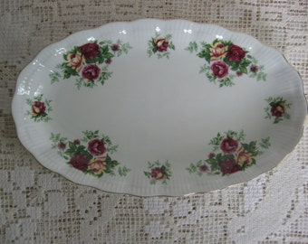 Pair of Oval China Platters,Vintage Walbrzych,Poland,Small,Shabby/Country/Cottage Rose Look, White,Gold Trim,Red/Yellow Roses