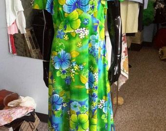 Hawaiian green vintage sundress! Free shipping.