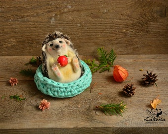 Interior toy hedgehog Frankie /Wool  scupture /Miniature / collection toy /felted toy
