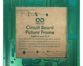 Circuit board picture frame, upcycled cucrcuit board, Home decor, Picture frame for a 4x4 photograph