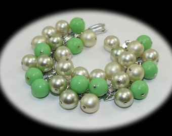 Vintage  Cha-Cha Bracelet Bead Bracelet Pearl Bracelet Vintage Bracelet