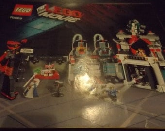 LEGO The LEGO Movie assembly booklet 70809 book 2