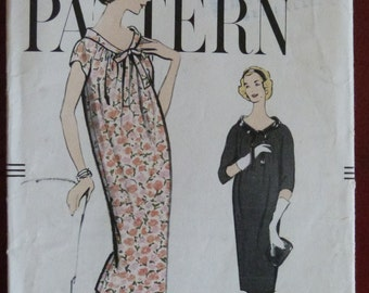 1950s Vogue 9435 Maternity or Chemise Dress Sewing Pattern - Size 12