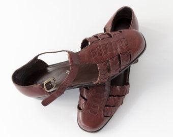 Vintage Brown T Strap Huarache Shoes Size 39.5 - Leather Strappy Flat Sandals | Walking Shoes