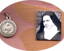 BLESSED ELISABETH of the TRINITY ~ Carmelite of Dijon second class clothing relic in sliding medal holder