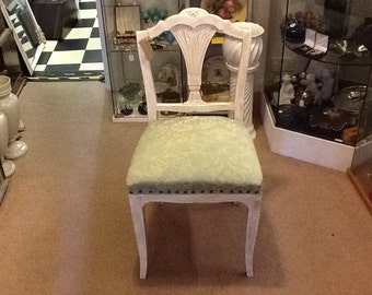 4 Shabby chic chairs