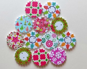 12 Wooden Christmas Buttons  -  Wreath Buttons - #C-00013
