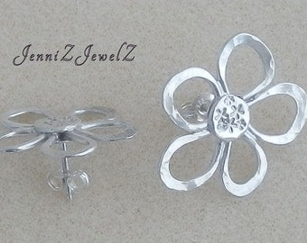 Cute Flower Stud Earrings