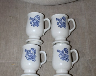 4 Vintage, Pedestal Style Coffee Mug in Pfaltzgraff's Iconic Yorktowne Pattern, Made in The USA, Grey w Blue Flower Design, Home Decoration