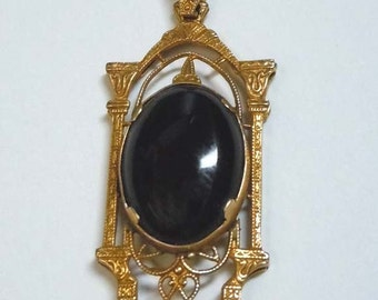 1940s Deco Open Work 14kt Gold Onyx Cabochon Necklace Pendant