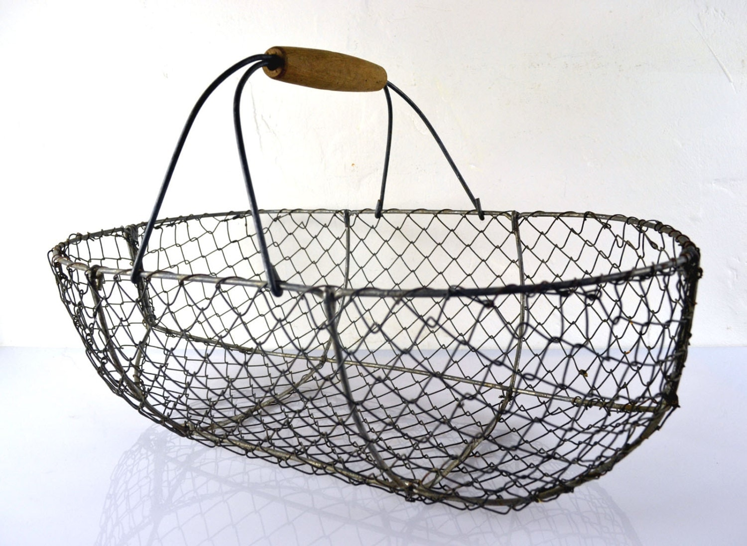Large antique french wire oyster fishing basket haute juice for Fish wire basket