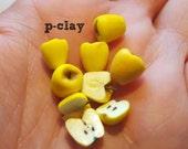 5 yellow miniature apples + 4 halves (1:12). Dollhouse, fruit, miniatures.