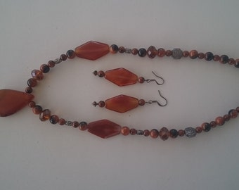 Carnelian Agate Necklace and Earrings
