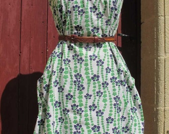 SALE 1970s french vintage pretty floral day dress