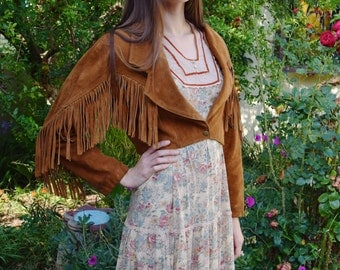 Vintage 1980s Contempo Casuals Soft Brown Suede Heavy Leather Fringe Classic Western Pointed Collar Cropped Jacket M-L