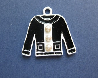 5 Shirt Charms - Shirt Pendant - Coat Charms - Clohing Charms - Gold Plated & Enamel - 28mm x 25mm -- (No.145-12073)
