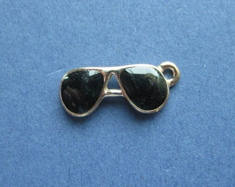 5 Sunglass Charms - Sunglass Pendants - Aviator Glasses - Aviators Charm - Enamel Aviators - Enamel Charm - 18mm x 7mm - (No.94-10338)