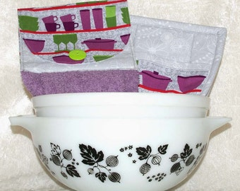 3 Piece Kitchen Gift Set • Hanging Hand Towel • 2 Quilted Pot Holders • Purple Dish Towel • Gray Potholders • Retro Kitchen • Kitchen Gifts