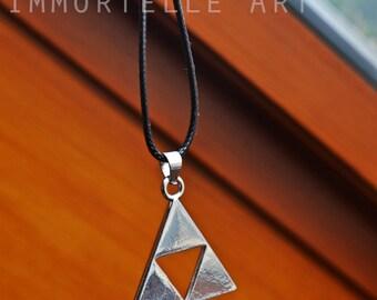 SALE! The Legend of Zelda - Triforce Necklace