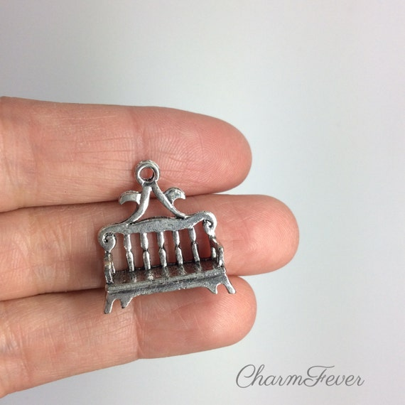4 Bench Charms 21x24 Mm Antique Tibetan Silver Tone 3d
