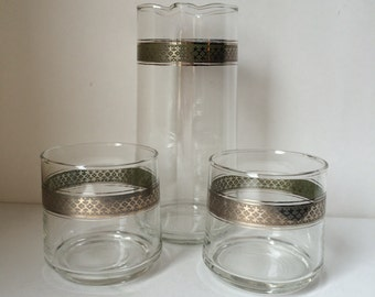Mid-Century drinks pitcher and 2 glasses