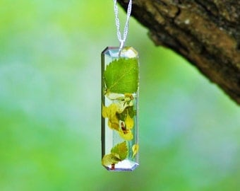 REAL PLANT NECKLACE- Transparent Resin Jewelry With Real Flowers