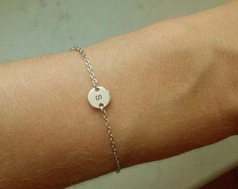 Tiny Initial Disk Bracelet / Silver Initial Bracelet / Initial Jewelry / Minimalistic Jewelry / Silver Circle Bracelet / 8mm / B423a
