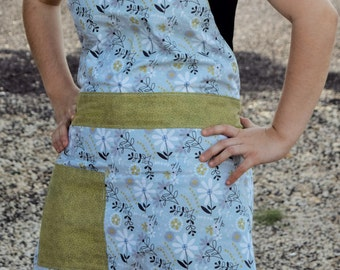 Reversible Women's Apron with Headband | Olive Flower | 100% Cotton | Handmade | Full Apron | Cooking and Baking Apron | With Pockets