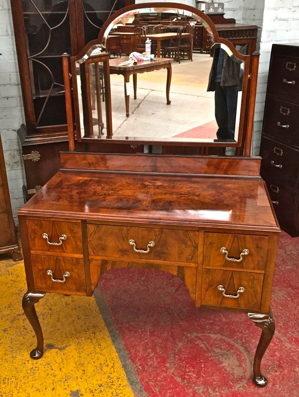 Antique Walnut Dressing Table With Beveled Shaped Mirror