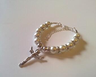 Silver Cross and White Pearl Bead Bracelet, Beaded Bracelet, Crucifix Bracelet, Communion Bracelet, Religious Bracelet, Crystal Bracelet