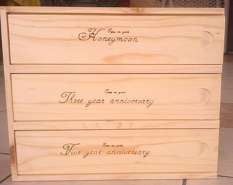 Personalized Wine Bottle Box, 3 bottles capacity, Wood burned custom wedding gift