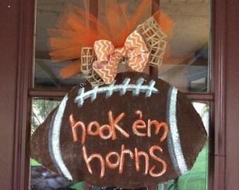 Football hook 'em horns burlap door hanger