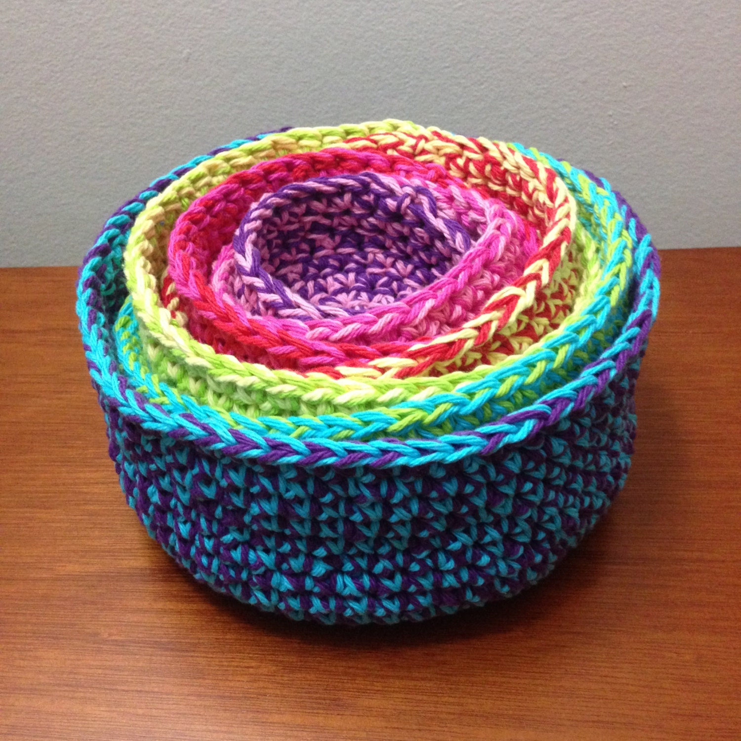 Free Patterns Crochet Baskets Bowls : Crochet Nesting Bowls Pattern / Tutorial: Set of 7 Colorful
