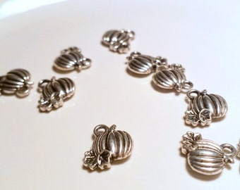 Pumpkin charms x 10, Halloween charms, Harvest charms, silver tone charms