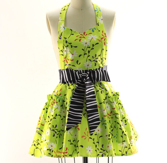 Lime with Daisies Flouncy Bib Apron