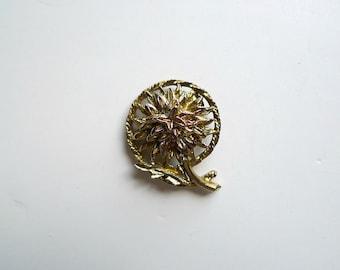 dahlia goldtone brooch