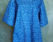 """SIZE 14-16 The Mama San Mamasan Kappogi Full Coverage Smock Apron in Blue """"The Daily Special"""" Size Medium (14-16)"""