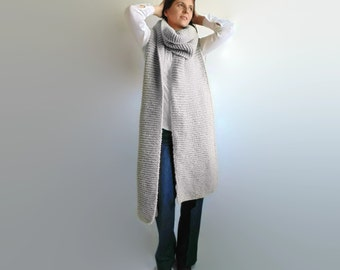 Chunky Knit Scarf in Pearl Gray Soft Wool - Oversize - Extra Long - Man - Woman